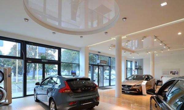 Oświetlenie salonu samochodowego Volvo Białystok wg arch. Jolanty Szemiot