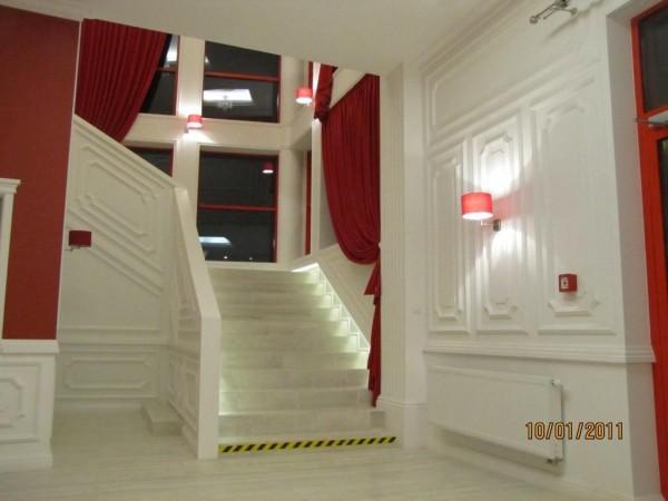 Oświetlenie sali bankietowej Amrozja w Białymstoku