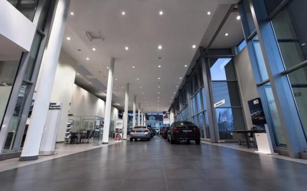 Oświetlenie salonu BMW Białystok