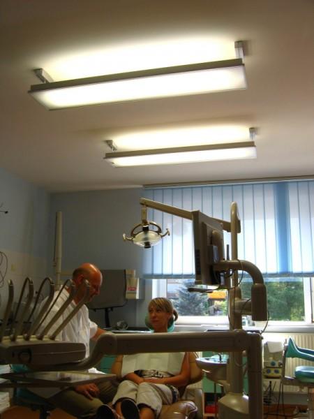 Oświetlenie gabinetu dentystycznego Białystok, oprawy Philips Savio 3x54W