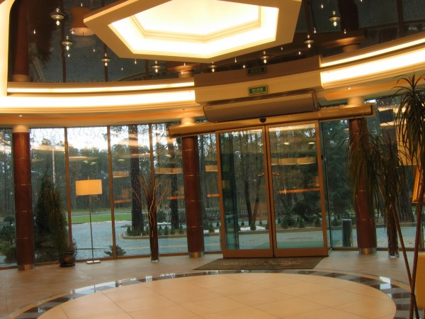 Oświetelnie Swarovski w Hotelu Warszawa