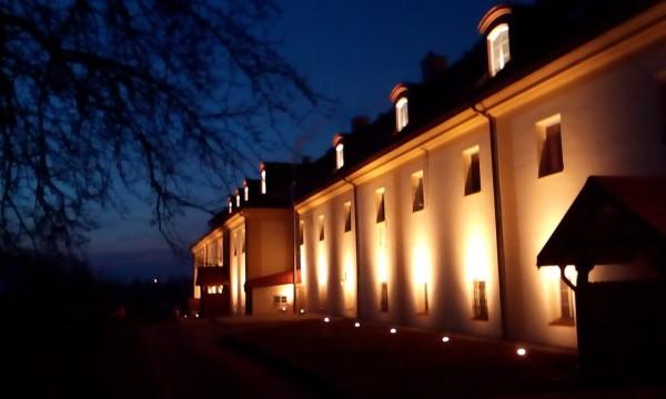 Iluminacja Zespołu Klasztornego Bernardynów w Tykocinie przy współpracy z firmą Energo-Instal p. Ryszarda Jabłońskiego