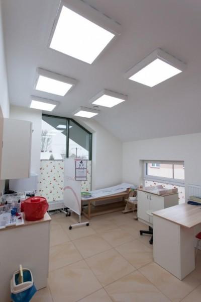 Oświetlenie gabinetów lekarskich w przechodni w Piekutach