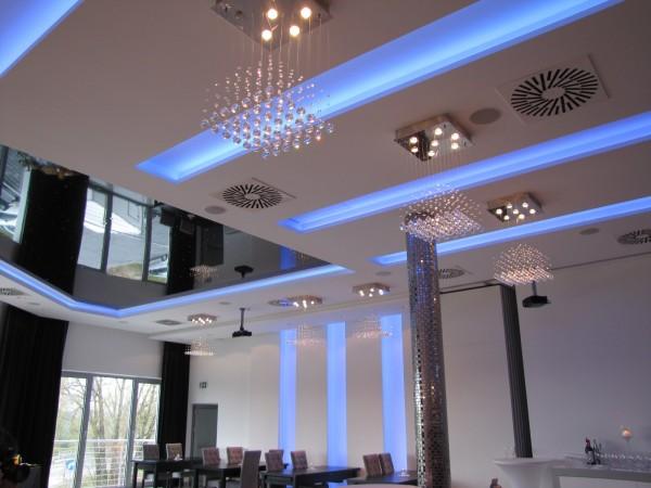 Oświetlenie sali bankietowej w Kurianach wg. arch. Moniki Gudewicz