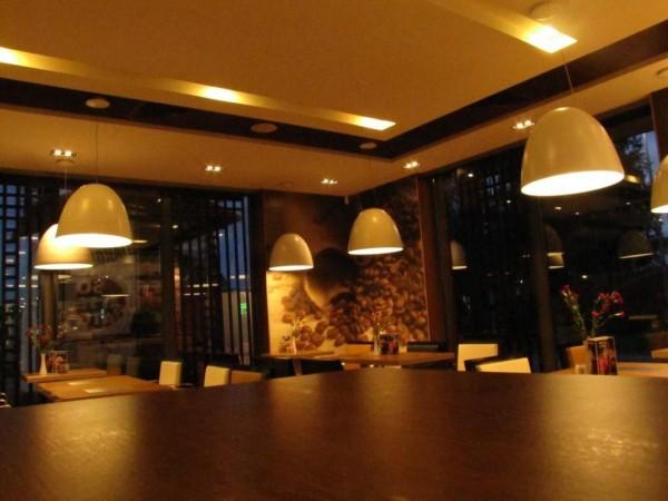 Oświetlenie restauracji - w drodze na kawie...