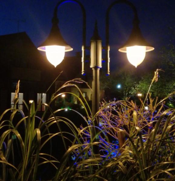 Oświetlenie ogrodu w Biesiadzie Weselnej w Kumiale