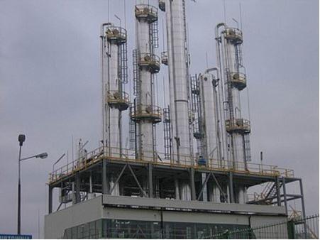 wieże rektyfikacyjne białostockiego Polmosu